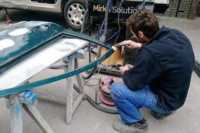 Carrosserie peinture entretien restauration auto et for Garage carrosserie depannage 64